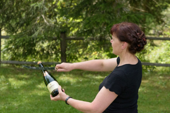 Champagner Sabrieren