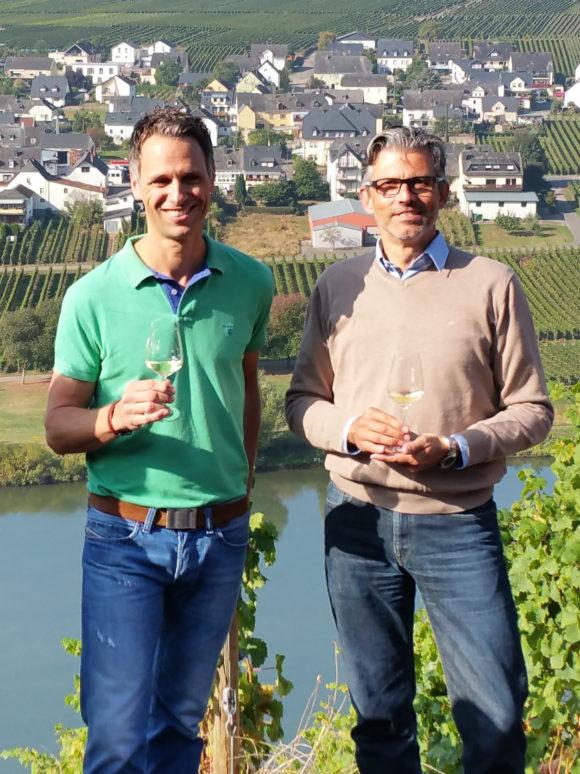 Winzer Niko Schmitt und Michael Kugel