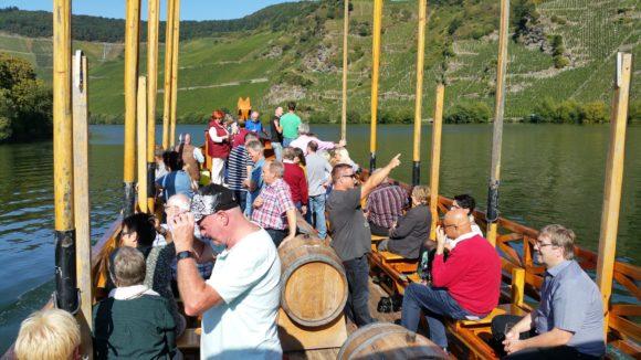 Auf dem Weinschiff